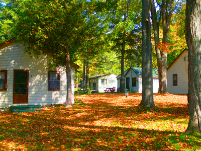 cottages_in_the_fall.jpg