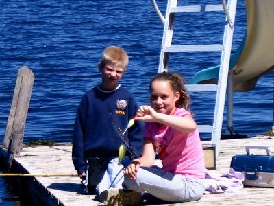 kids_on_swiming_dock.JPG